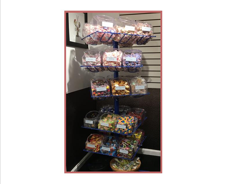 gift-shop-2016-candy-stand